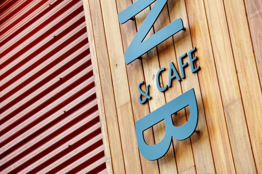 Black Butt - Z Cafe B